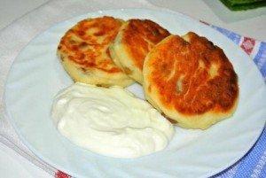 Сырники с изюмом — рецепт от бабули