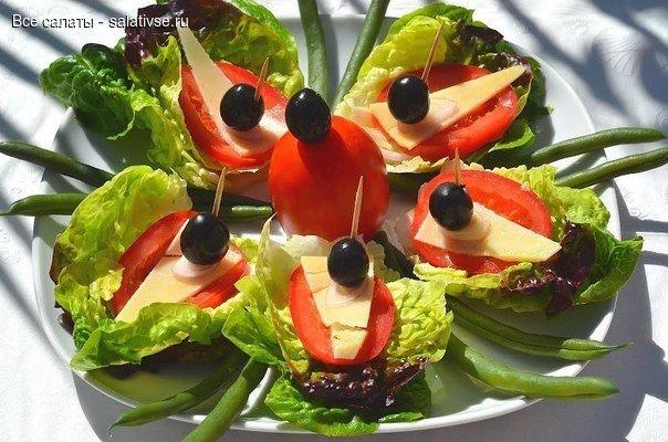 Салат-сендвич Ингредиенты: — Листья салата 2х видов,