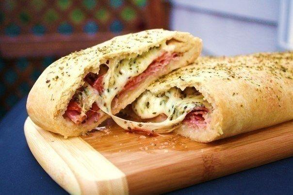 Стромболи (пицца-рулет) Ингредиенты: — 250 гр. теста