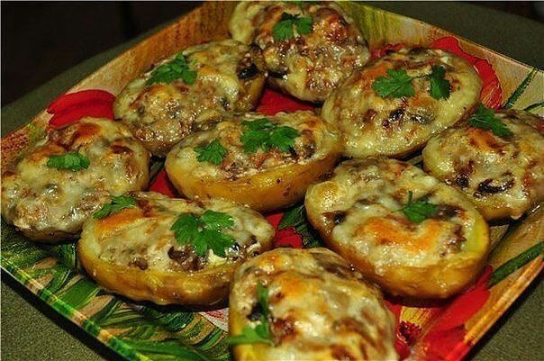 Лодочки из картошки в мундире Ингредиенты: —